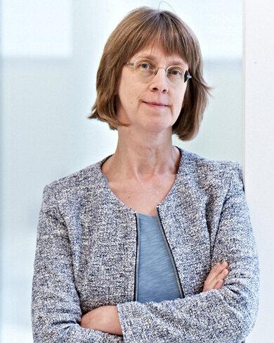 """Dr. Susanne Weg-Remers ist Ärztin und berät Krebspatienten am Telefon (""""Krebsinformationsdienst"""")"""