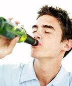 Vorsicht beim Alkoholkonsum: ADHS und Alkoholmissbrauch treten häufig gemeinsam auf