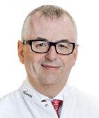 Dr. Dietmar Schlembach ist Chefarzt an der Vivantes Geburtsklinik Neukölln in Berlin