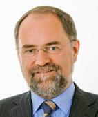 Prof. Dr. med. Ekkehart Paditz ist Vorsitzender des Vereins Babyhilfe Deutschland und leitet das Zentrum für Angewandte Prävention in Dresden