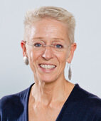 Gynäkologin und Geburtshelferin Dr. Babett Ramsauer