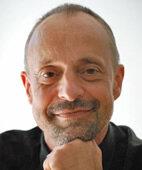 Prof. Dr. med. Ulrich Gembruch ist Direktor der Abteilung für Geburtshilfe und Pränatalmedizin am Universitätsklinikum Bonn