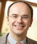 Prof. Dr. med Harald Gündel ist Ärztlicher Direktor der Klinik für Psychosomatische Medizin und Psychotherapie in Ulm