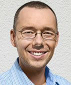 Holger Simonszent ist Diplom-Psychologe in Gauting