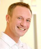 Bastian Widdershoven arbeitet als Kinderzahnarzt in Oldenburg