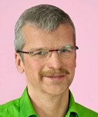 Dr. med. Jörg Angresius ist Gynäkologe und hat eine eigene Praxis in Neunkirchen