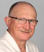 Dr. med. Rainer Lange arbeitet als Gynäkologe in Alzey in eigener Praxis sowie an der Klinik Worms. Er ist Experte für Beckenbodenprobleme