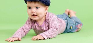 Kleinkind mit Lippen-, Kiefer-und Gaumenspalte