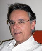 Dr. Hermann Josef Kahl ist Kinder- und Jugendarzt mit eigener Praxis in Düsseldorf