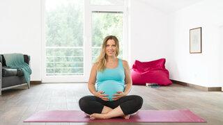 Yoga-Atemübung-Schwangerschaft-Schwangere