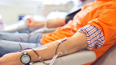Die neuen Verordnungen erlauben es homosexuellen Männern, leichter Blut zu spenden