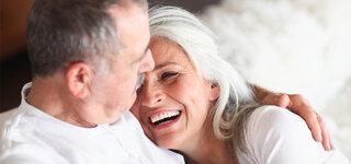 Diabetes und Sexualität Schlafzimmer älteres Paar Intim