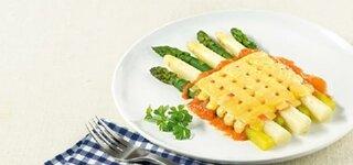 Spargel mit Käse überbacken