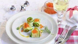 Zucchini-Lachs-Röllchen mit Dill-Senfsoße