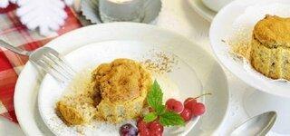 Glühwein-Birnen-Muffins mit Mandel-Vanille-Soße