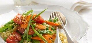 Bulgur-Gemüse mit Minz-Joghurt