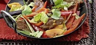Entenbrust auf Wok-Gemüse mit Vollkornreis