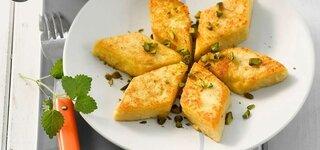 Grießschnitten mit Pfirsich-Johannisbeer-Kompott