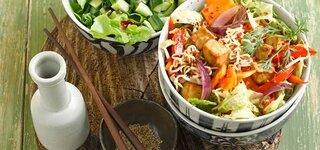 Asia-Nudeln mit Tofu