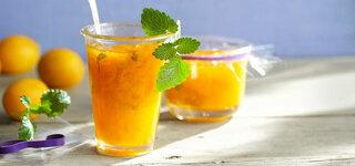Aprikosen-Fruchtaufstrich mit Zitronenmelisse