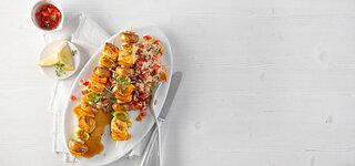 Hähnchen-Pilz-Spieße mit Tomaten-Reis