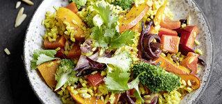 Curry-Gemüse-Reis mit Joghurtdip