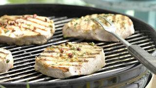 Pfeffer-Steak mit Kartoffel-Gurken-Salat