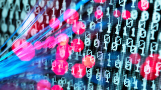 Coronavirus Cyberkriminalität Attacke Computer Binärcode Internet