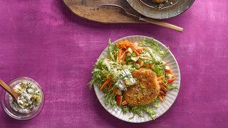 Steckrüben Schnitzel mit Feta Dip und Salat Die Schlanke Woche
