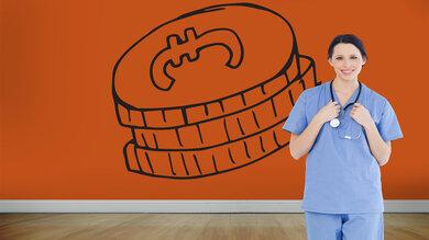 Eine höhere Bezahlung sowie bessere Arbeitsbedingungen sollen den Pflegeberuf attraktiver machen