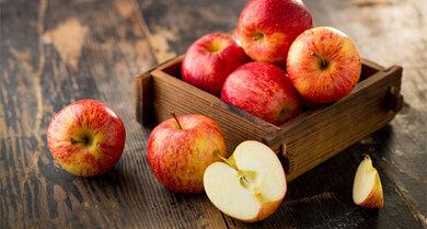 Süßen das Getränk: Frische Äpfel. Wichtig ist aber mehr Gemüse, weniger Obst