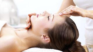 Akupressur hilft bei Kopfschmerz