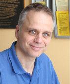 Dr. Axel Klein führt eine orthopädische Praxis in Dresden