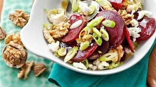 Rote-Beete-Salat mit Walnüssen und Feta
