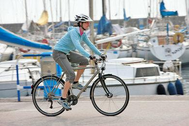 Gute Einstellung: Radeln hält fit – die richtige Position auf dem Sattel vorausgesetzt