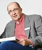 Dr. Rüdiger Holzbach ist Chefarzt der Klinik für Psychiatrie, Psychotherapie und Psychosomatik am Klinikum Hochsauerland