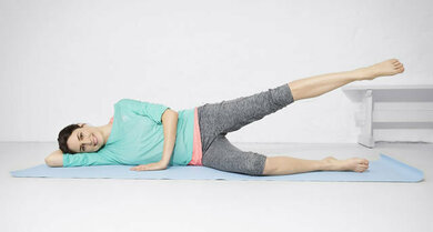 Zweite Übung oberes Bein auf und ab