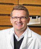 Dr. Jens Steege ist Apotheker in Karlsruhe
