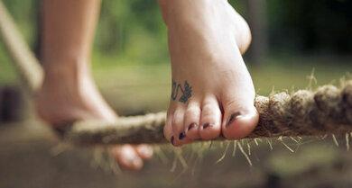 Barfußlaufen trainiert die Fußmuskulatur