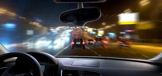 Nachts Auto fahren