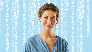 Frau auf blauem Hintergrund mit digitalen Icons