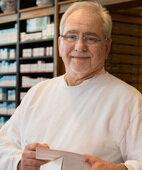 Manfred Vogt ist Apotheker im niedersächsischen Nordenham