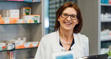 Apothekerin Regina Wiedmaier benutzt gerne pflanzliche Präparate, um sich gegen Stiche zu schützen