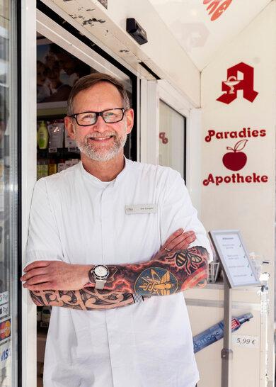 Apotheker Dirk Vongehr erklärt, worauf bei der Tattoo-Pflege zu achten ist