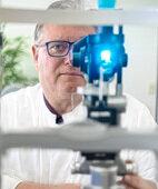 Professor Gerd Auffarth, Direktor der Uni-Augenklinik Heidelberg