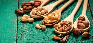 Verschiedene Sorten Nüsse