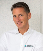 Professor Henrik Michaely ist Mitglied einer Arbeitsgruppe, die für die Deutsche Röntgengesellschaft die Sicherheit von Kontrastmitteln bewertet