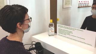 Coronavirus Berlin Friseurbesuch Maßnahmen Tragen einer Maske Abstand Hygiene
