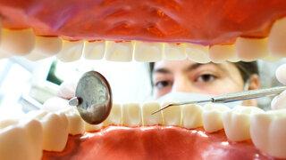 Zahnzusatzversicherung Symbol Lohnenswert Zähne Gebiß Vorsorge