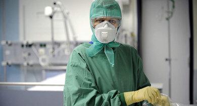 FFP-Masken schützen die Mitarbeiter im Krankenhaus vor dem Corona-Virus.